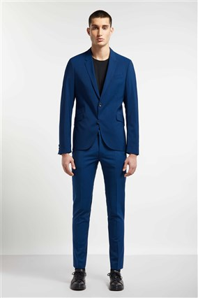 slim-fit-suit