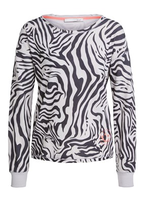 zebra-sweater