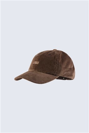 cap-with-embroidered-logo