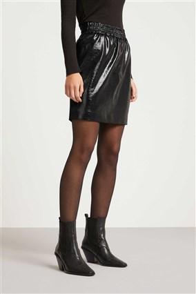 skirt-in-leather-look