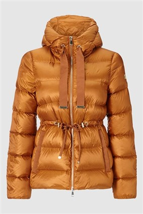 down-jacket-with-large-hood