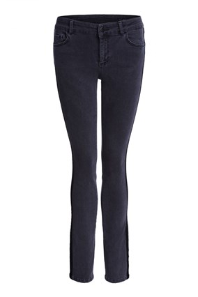 skinny-jeans-with-velvet-ribbon