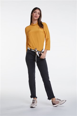 blouse-with-collar