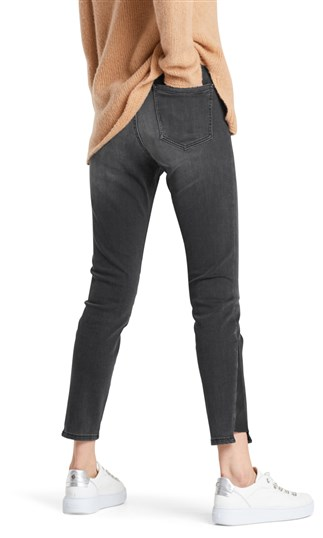 jeans-with-decorative-button