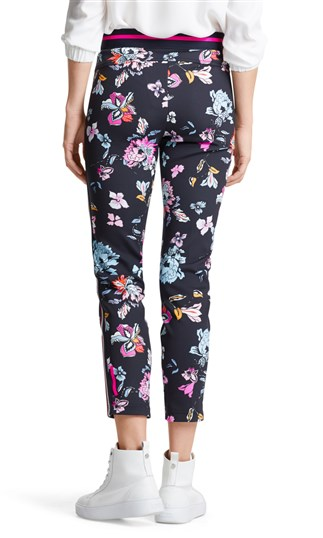 stretch-pants-with-flowers