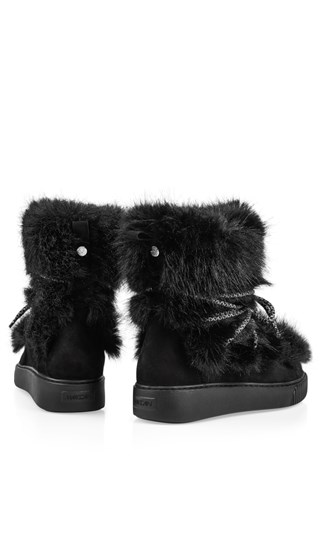winter-booties-with-fun-fur-trim