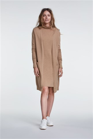 knitted-dress-with-roll-neck-midi