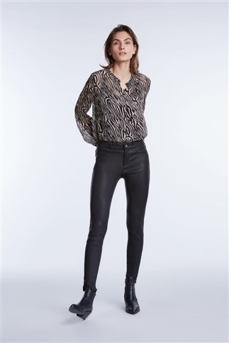 casual-blouse-in-animal-print