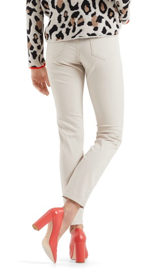 stretch-jeans-with-high-waistband
