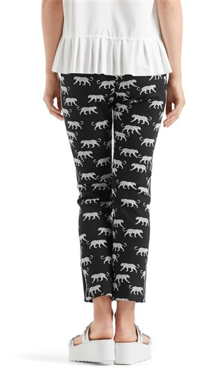 stretch-pants-with-leopards